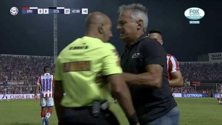 Madelón agredió e insultó al cuarto árbitro