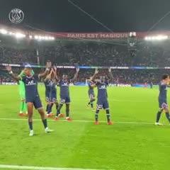 El festejo del PSG, sin Messi