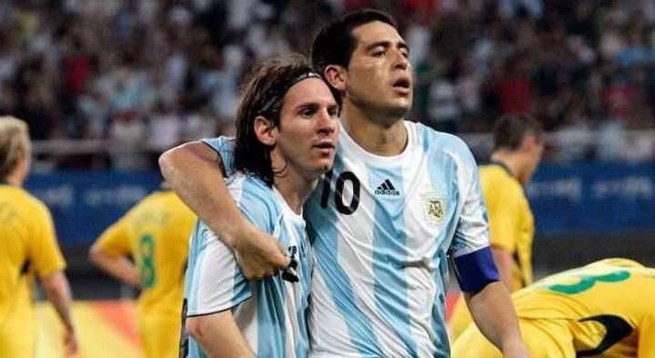 """""""Ver a Messi con la camiseta de Boca sería un sueño"""""""