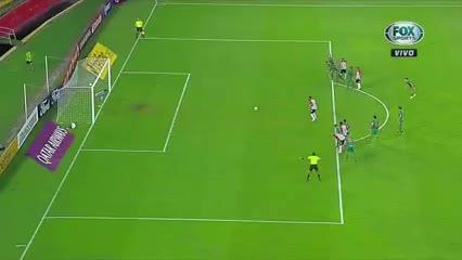 Gol de Junior frente a Fluminense