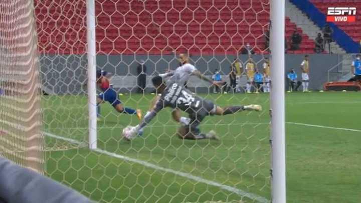 Fernández tuvo el empate para San Lorenzo