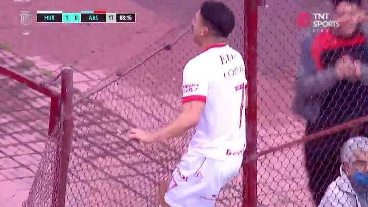 Huracán marcó el primero ante Arsenal