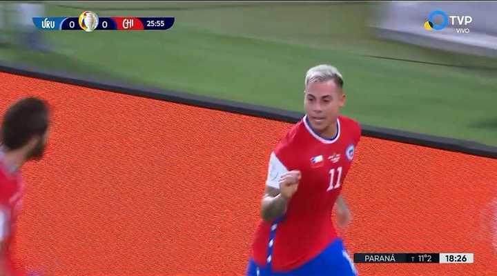 Vargas abrió la cuenta ante Uruguay