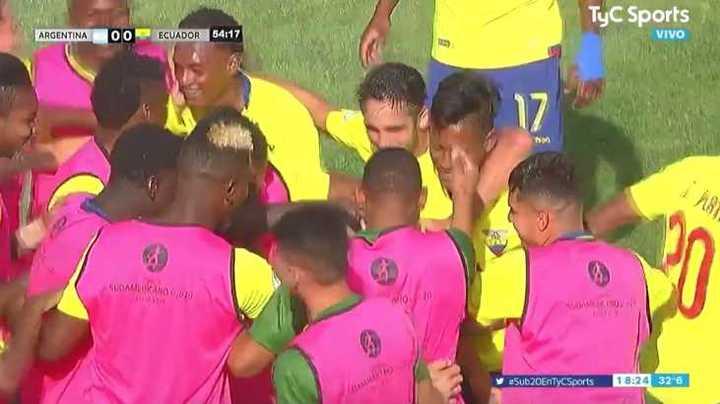 Con un zapatazo, Ecuador abrió el marcador