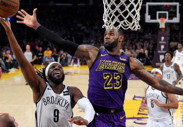 LeBron James y sus Lakers se quedaron afuera de los playoffs