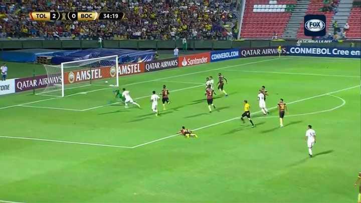 Zárate marcó el primero de Boca tras una buena pared con Benedetto