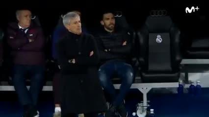 El ayudante de Setién, enojado con los jugadores del Barcelona.