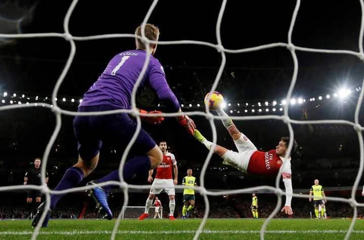 El golazo de Lucas Torreira para el Arsenal