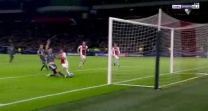 Nicolás Tagliafico empató el partido frente al Bayern en tiempo de descuento