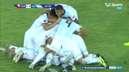 Capaldo metió el primero de Argentina ante Chile