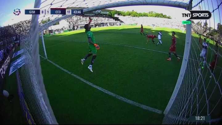 Cavallotti evitó el empate de Gimnasia con un atajadón