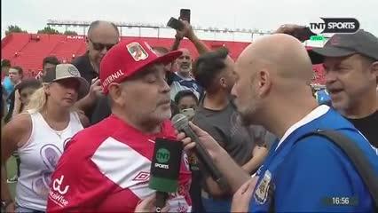 Maradona se animó a cantar un tango