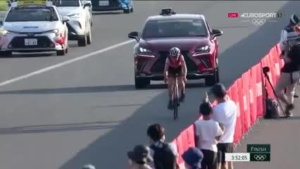¡Increíble! Una ciclista amateur se llevó la de Oro en los Juegos Olímpicos Tokio 2020