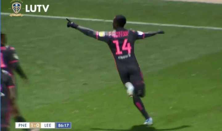 El gol del Leeds ante el Preston