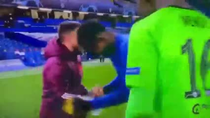 Hazard, a pura risa tras la derrota