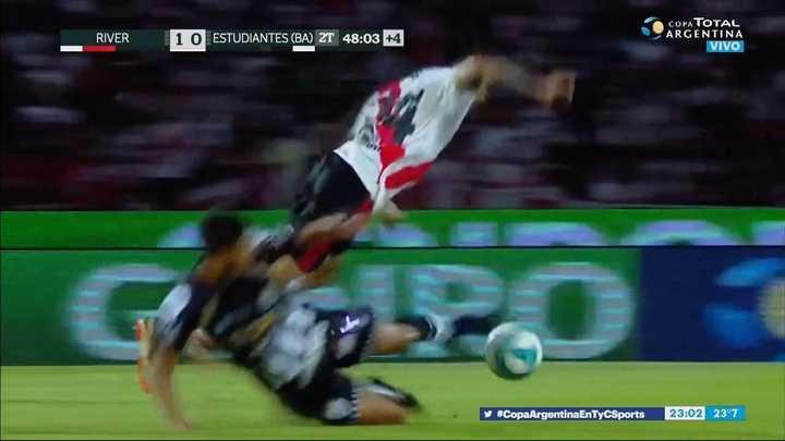 Enzo Pérez recibió un fuerte golpe