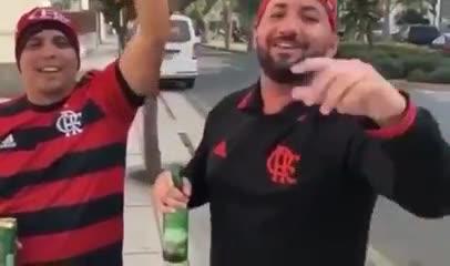 La cargada de los hinchas de Flamengo a Boca
