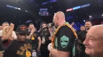 Así cantó el campeón