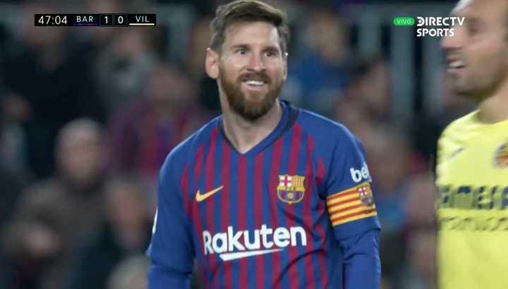 Messi probó desde lejos