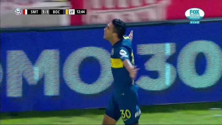 Messi y Reynoso convirtieron un gol muy similar