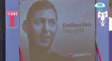El minuto de silencio en Tigre-Banfield por Emiliano Sala