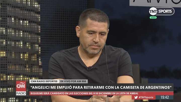 """Riquelme: """"Angelici me empujó para retirarme con la camiseta de Argentinos"""""""