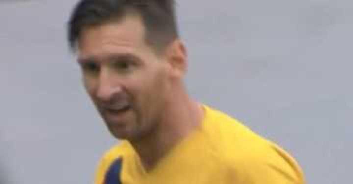 Messi probó de afuera