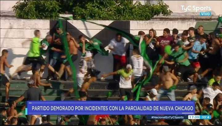 Impresionantes incidentes en la tribuna de Chicago