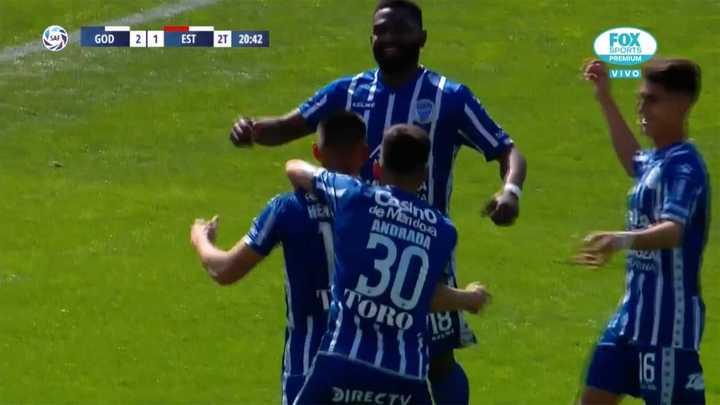 Henríquez dio vuelta el partido para Godoy Cruz