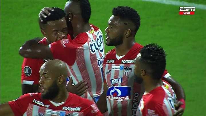 Junior abrió el marcador con gol de Borja