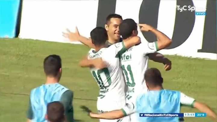 Los goles del triunfo de Sarmiento