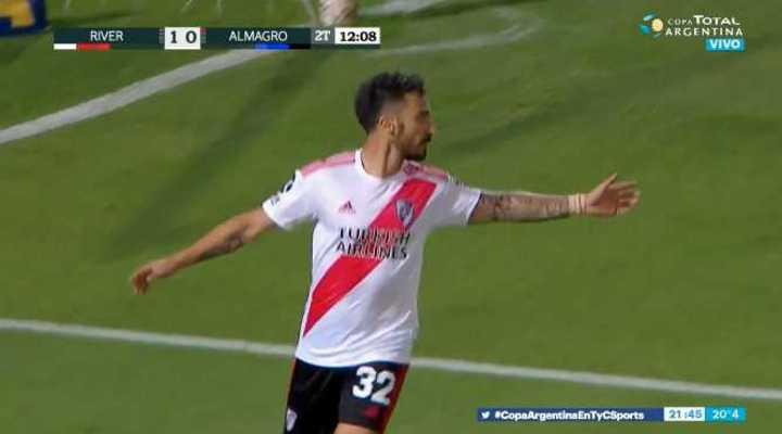 Scocco marcó el segundo de River frente a Almagro