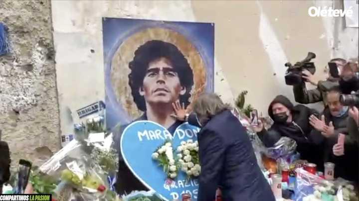 Bruno Conti y Conrado Ferlaino dejaron ofrendas en para Maradona