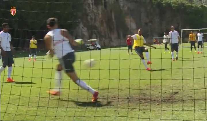El video que subió el Monaco con Ocampos atajando