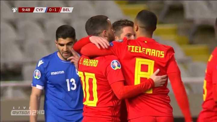 Dos golazos en la victoria de Bélgica
