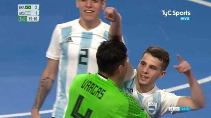 Golazo de Rufino para el 2 a 2 de Argentina