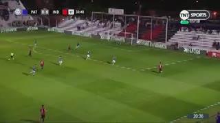 Bértoli evitó el gol del Rojo