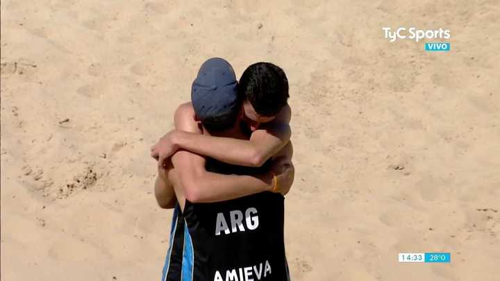 Amieva y Zelayeta bronce en Beach Voley