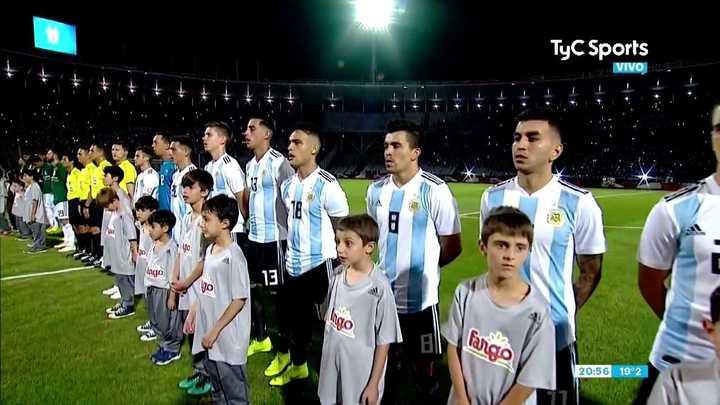 El himno de Argentina ante México