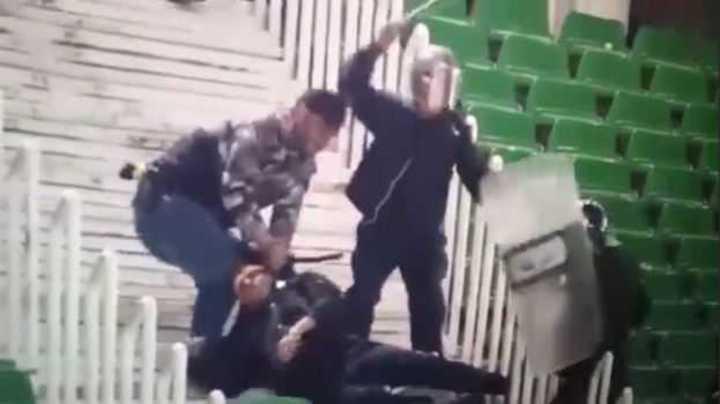 Violencia policial en Argelia