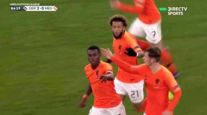 Holanda descontó con gol de Promes