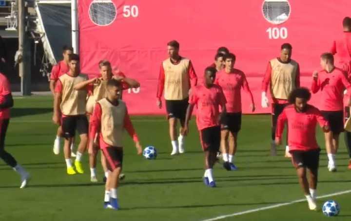 Sergio Ramos se calentó con Reguilón