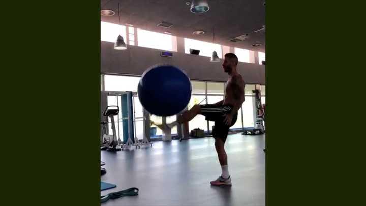 Sergio Ramos la rompió con una redonda grande