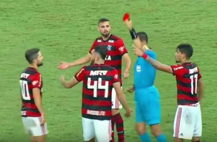 El Flamengo-Vasco terminó picante
