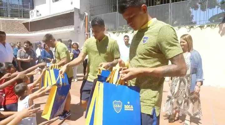 Boca visitó el Hogar Curapaligüe