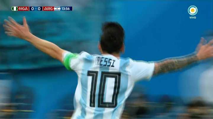 Se prendió Messi y marcó un golazo