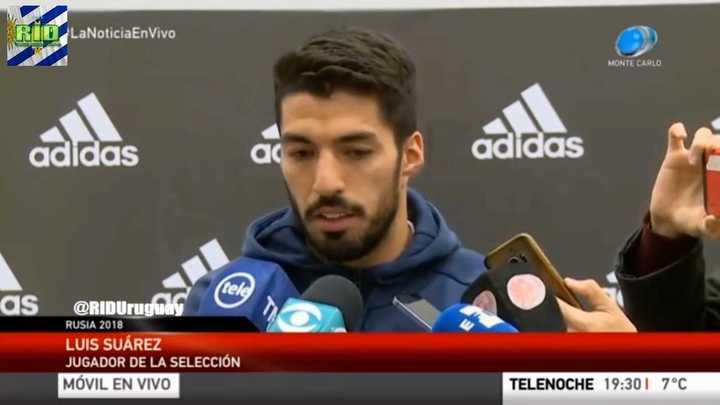 Niño pide a Luis Suárez que no muerda en el Mundial