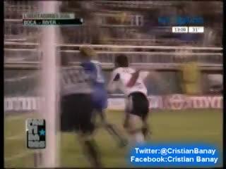 Gol de Schiavi ante River en 2004