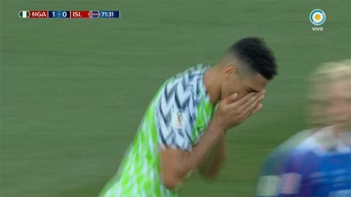 Los nigerianos buscan de cabeza