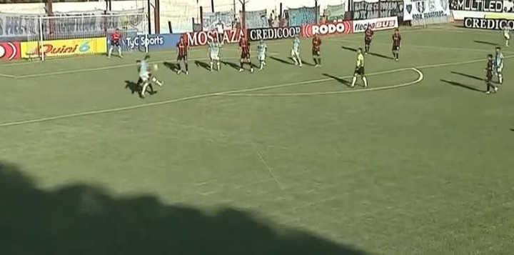 Lindo gol de Gustavo Mbombaj para UAI Urquiza